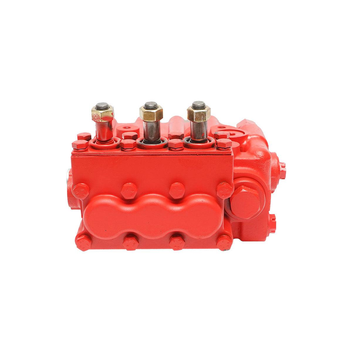 Distribuitor hidraulic 3 manete tractor UTB U-650 D700 (manetele nu sunt incluse)